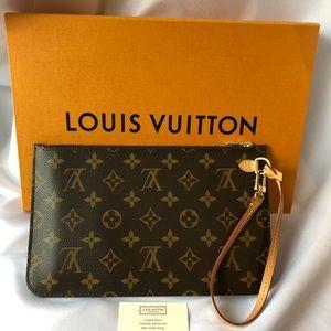 Louis Vuitton Bags - Neverfull MM Pouch